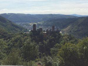 Blick auf Burg Thurant über Alken am Mosel Camino