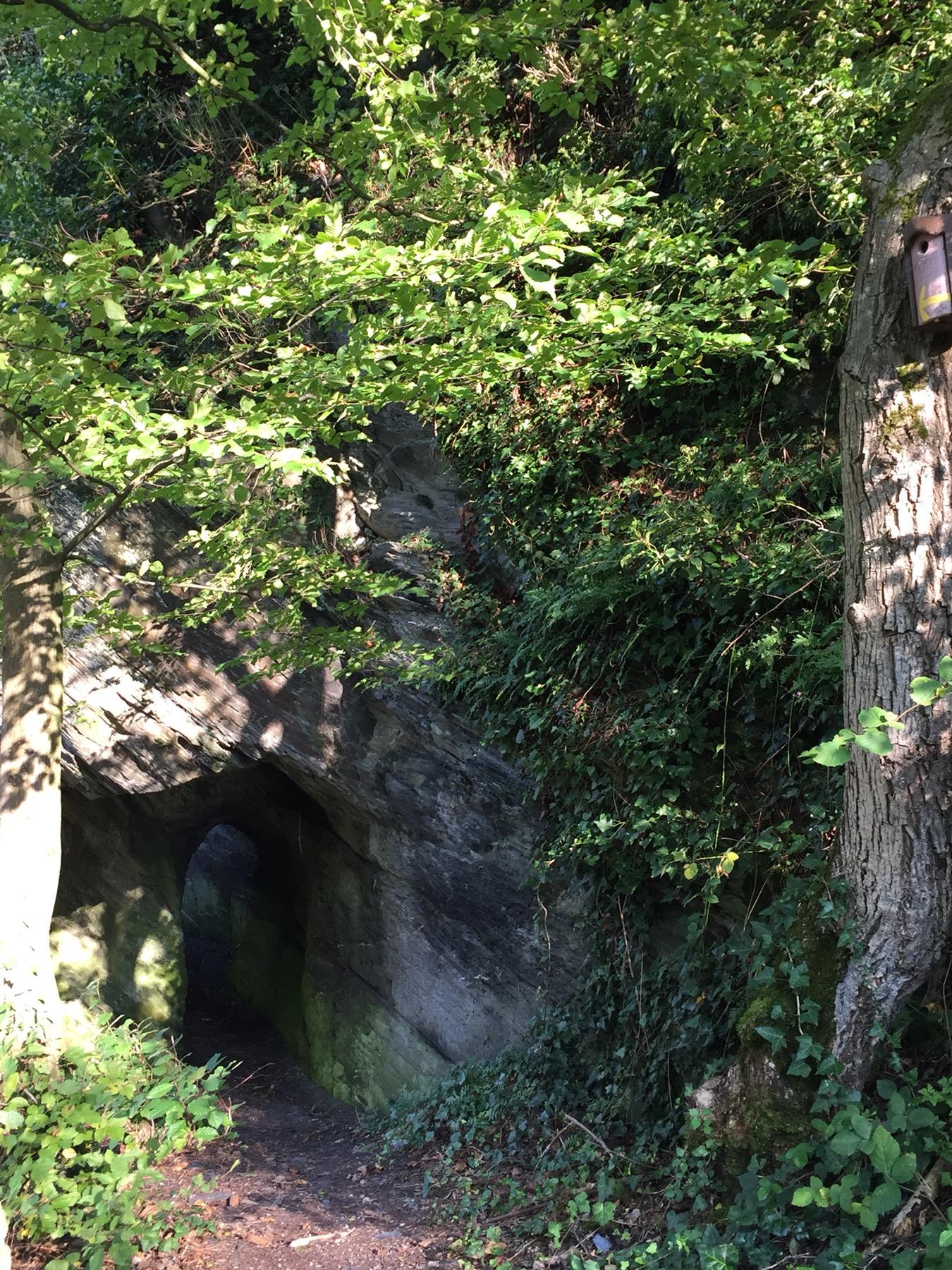 Fake-Tunnel an der Schlossruine von Traben-Trarbach