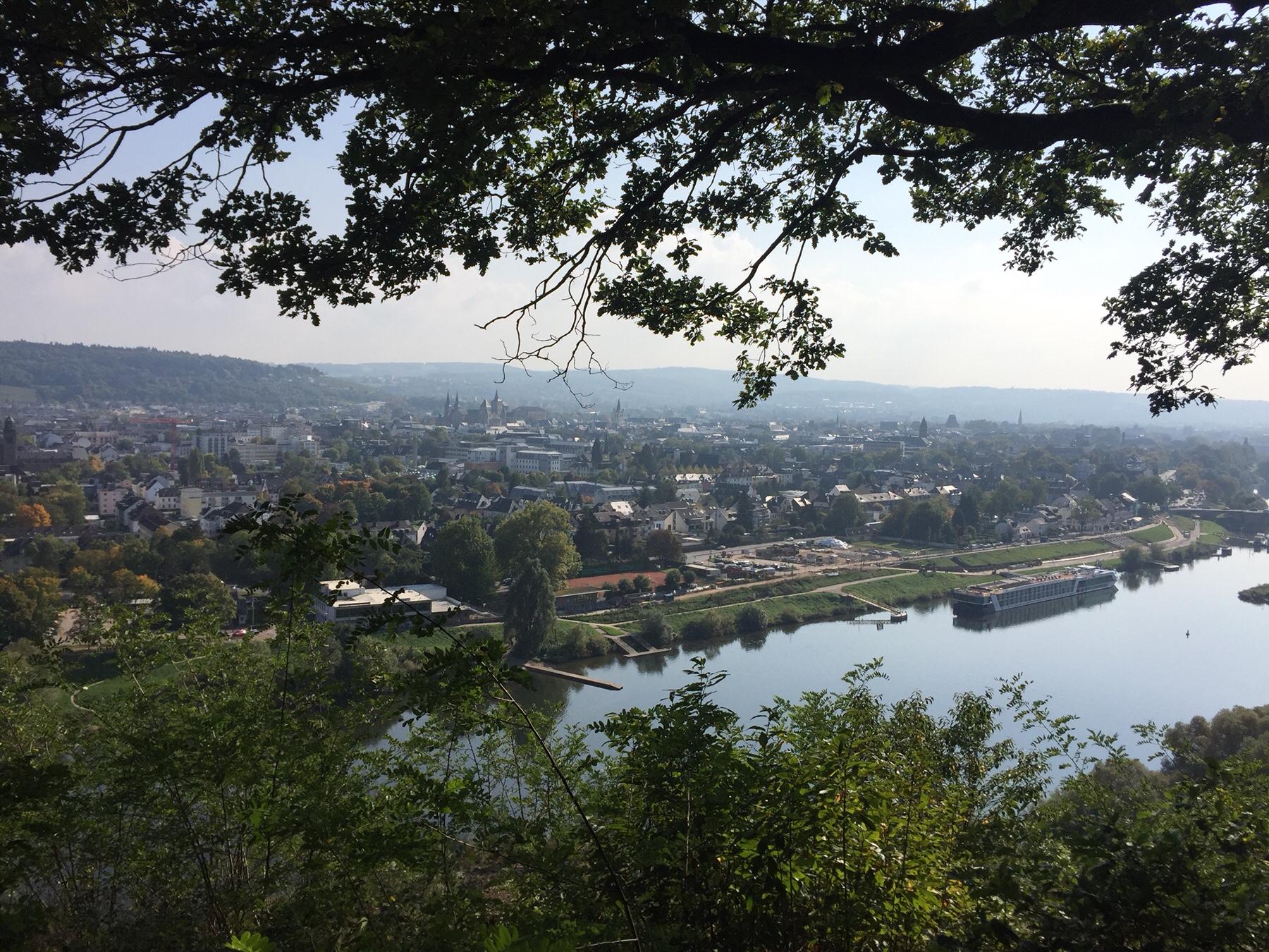 Blick auf Trier vom Mosel-Camino