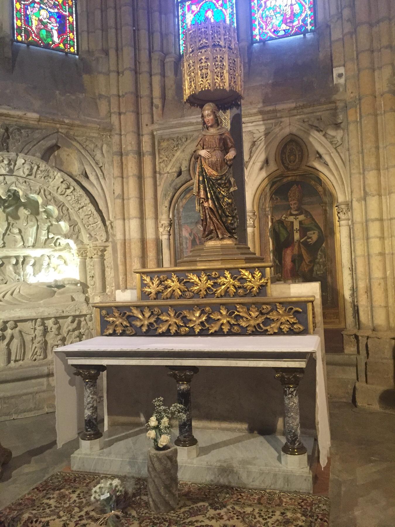 Schwangere Maria in der Kathedrale von Leon, Camino Frances