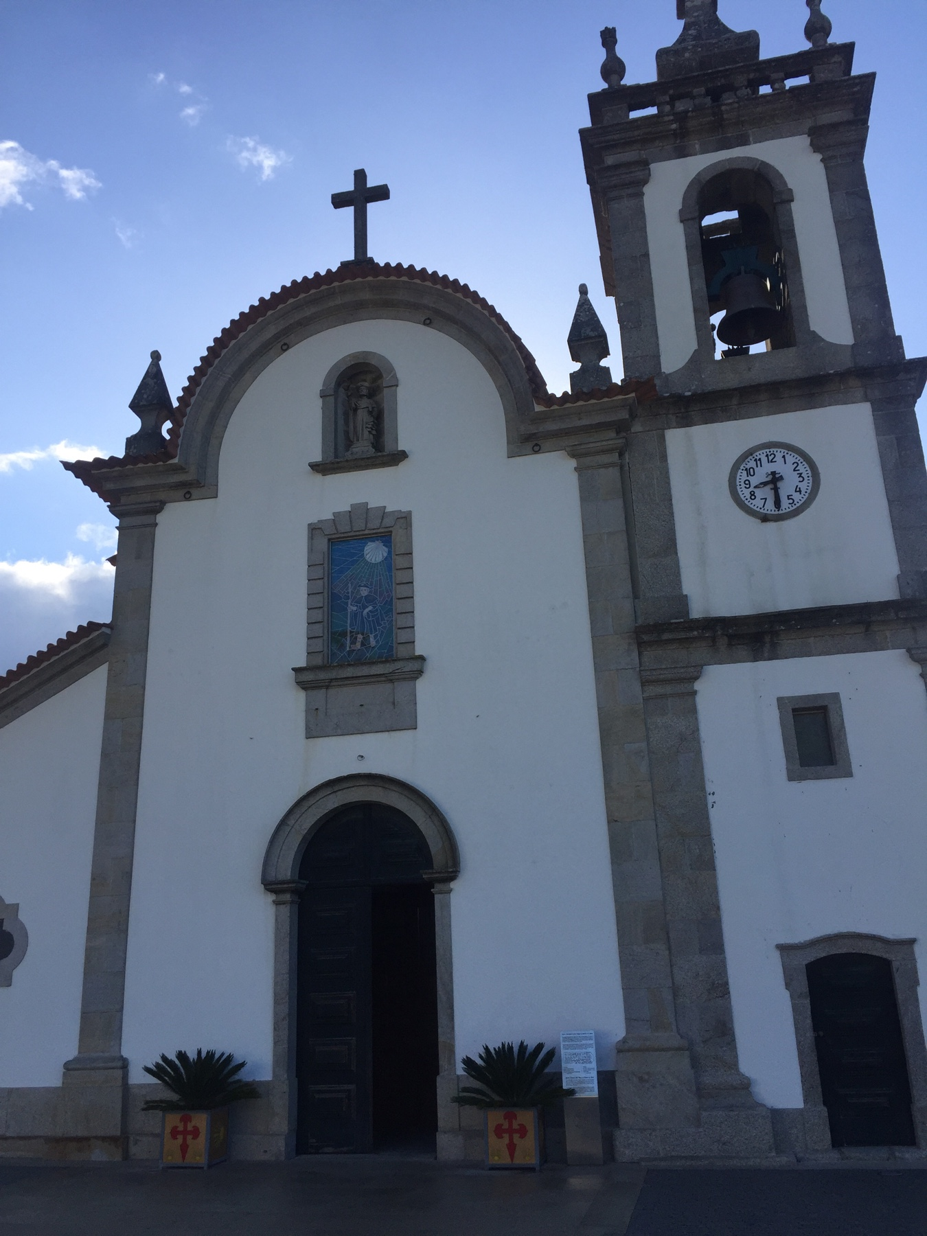 Kirche in Santiago, Portugal, am Caminho Portugues
