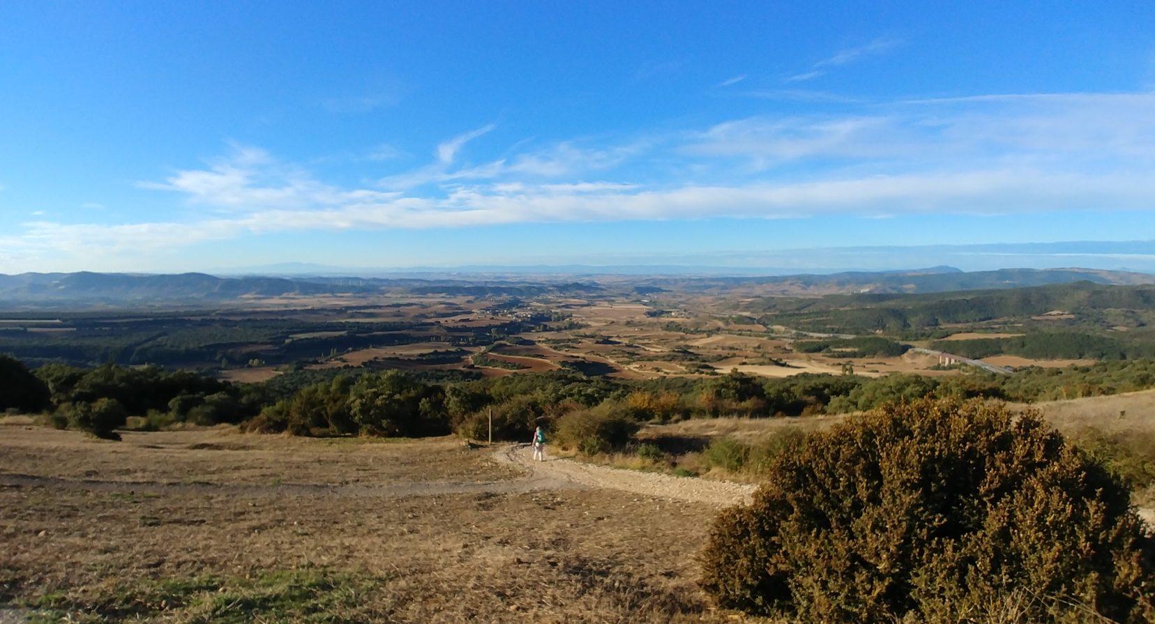 Blick vom Alto del Perdón hinter Pamplona, Camino Frances