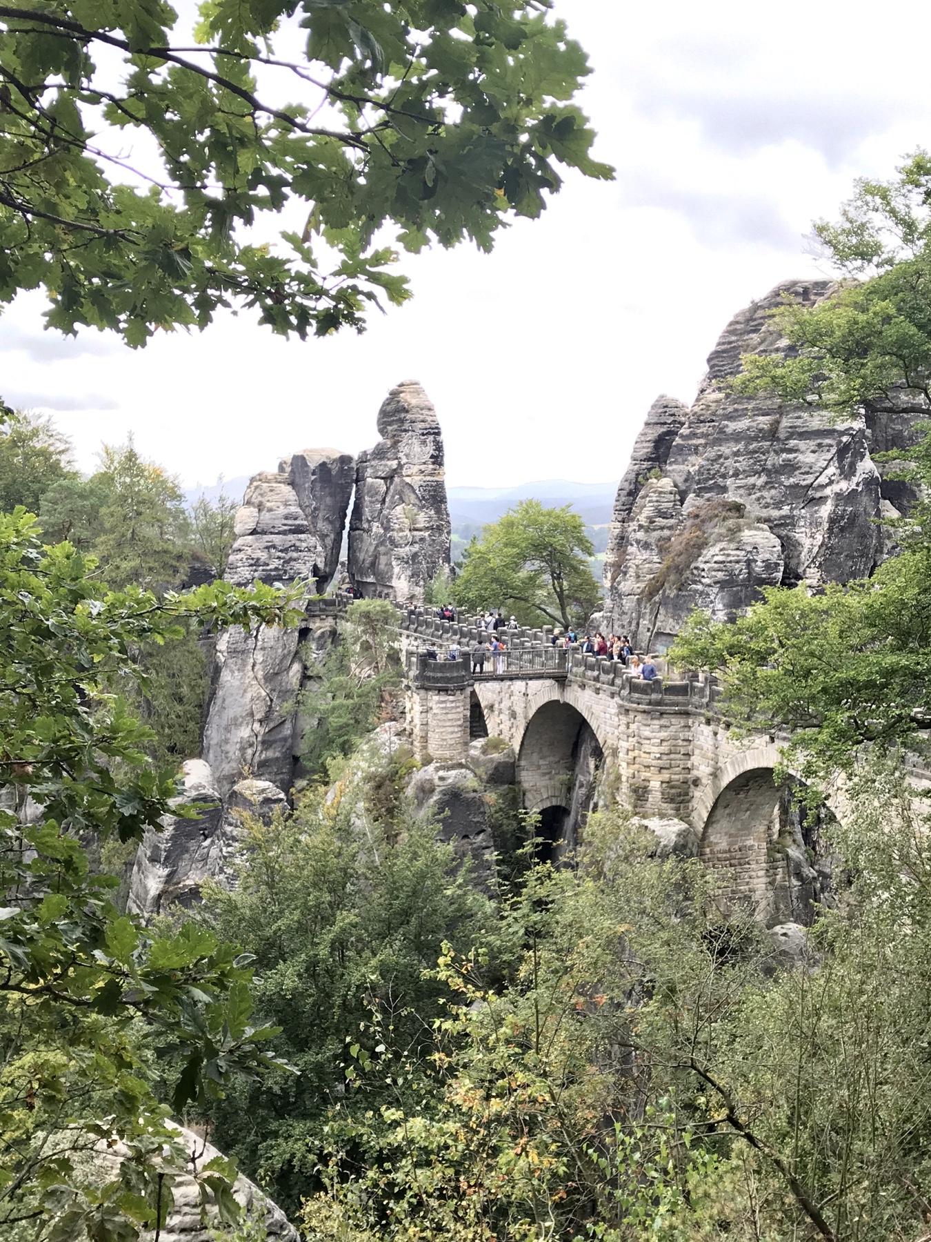 Blick auf die Basteibrücke Malerweg Etappe 2 Wehlen Hohnstein