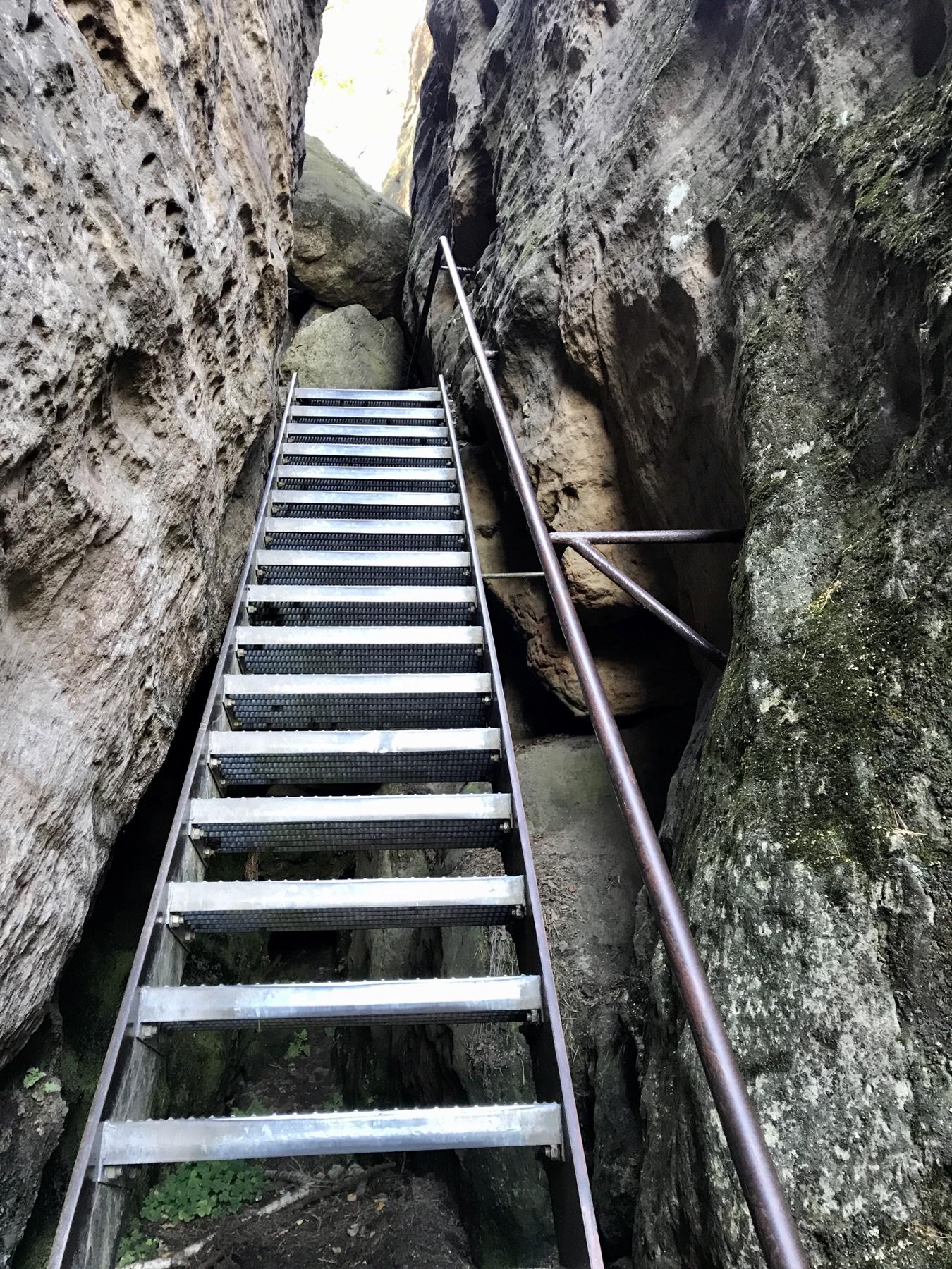 Über Leitern hinauf zum Pfaffenstein, Malerweg Etappe 7, Gohrisch Königstein
