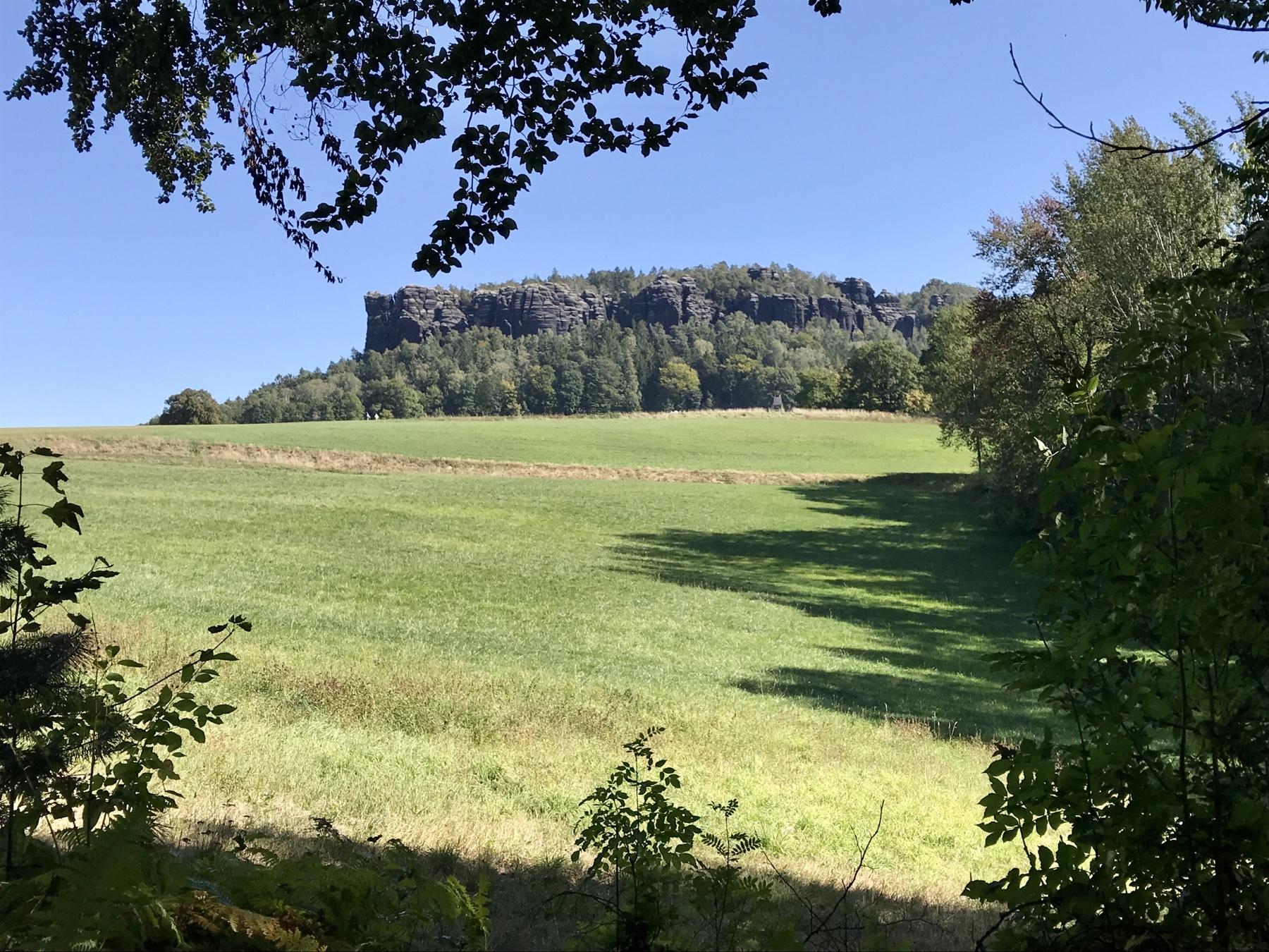 Rückblick auf den Pfaffenstein, Malerweg Etappe 7, Gohrisch Königstein