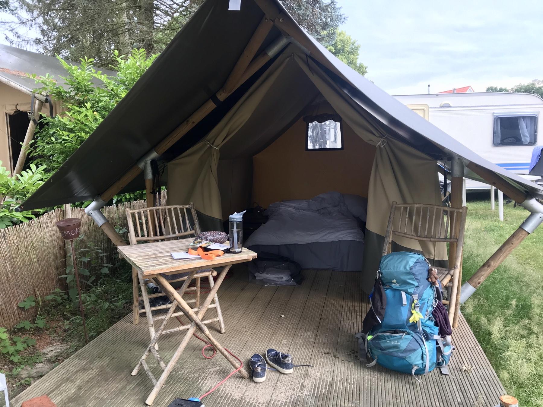 Mini Lodge bezugsfertiges Zelt auf dem Camping Großensee
