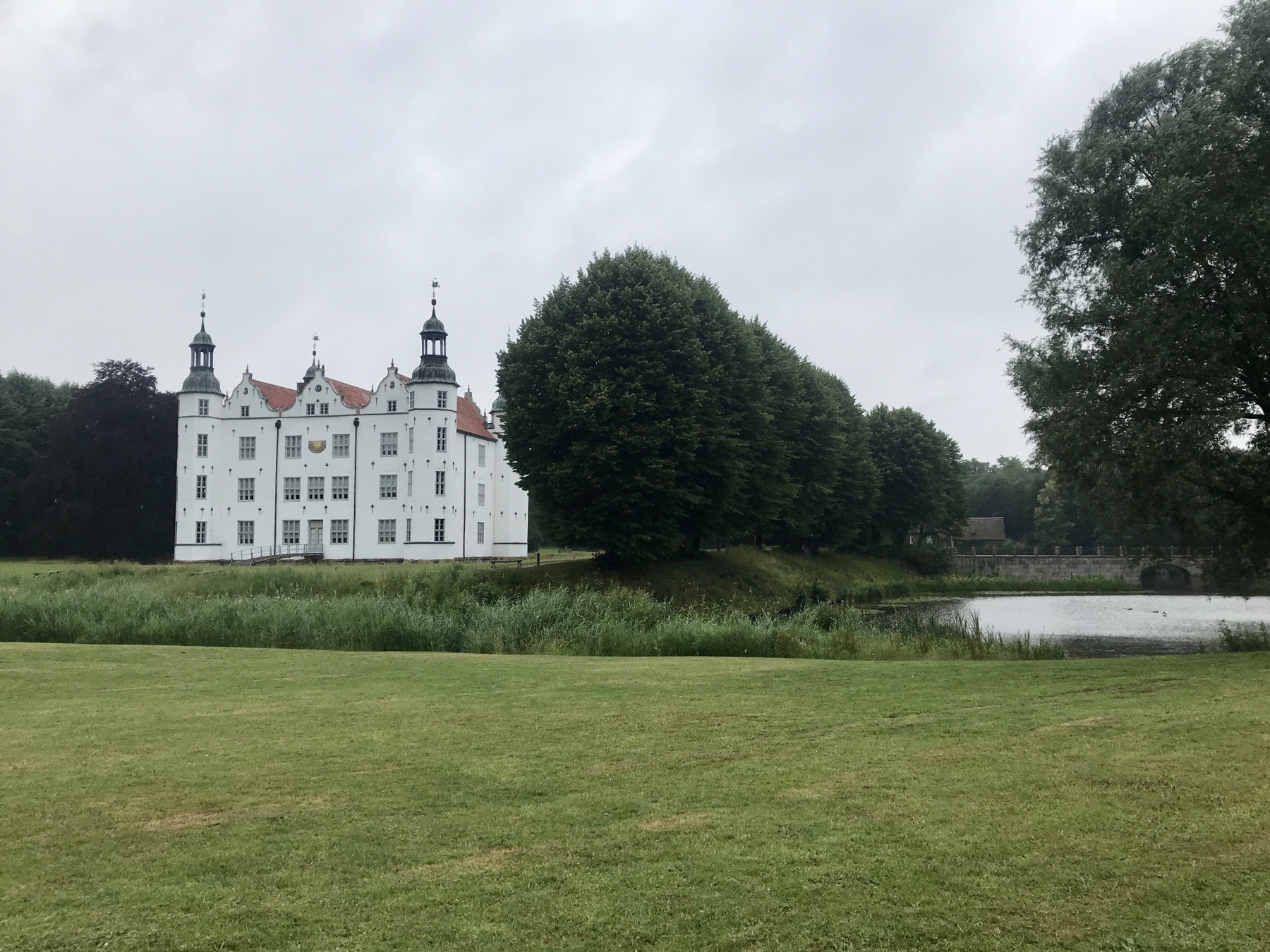 Schloss Ahrensburg, Etappenziel von Etappe 2 des Stormarnweges
