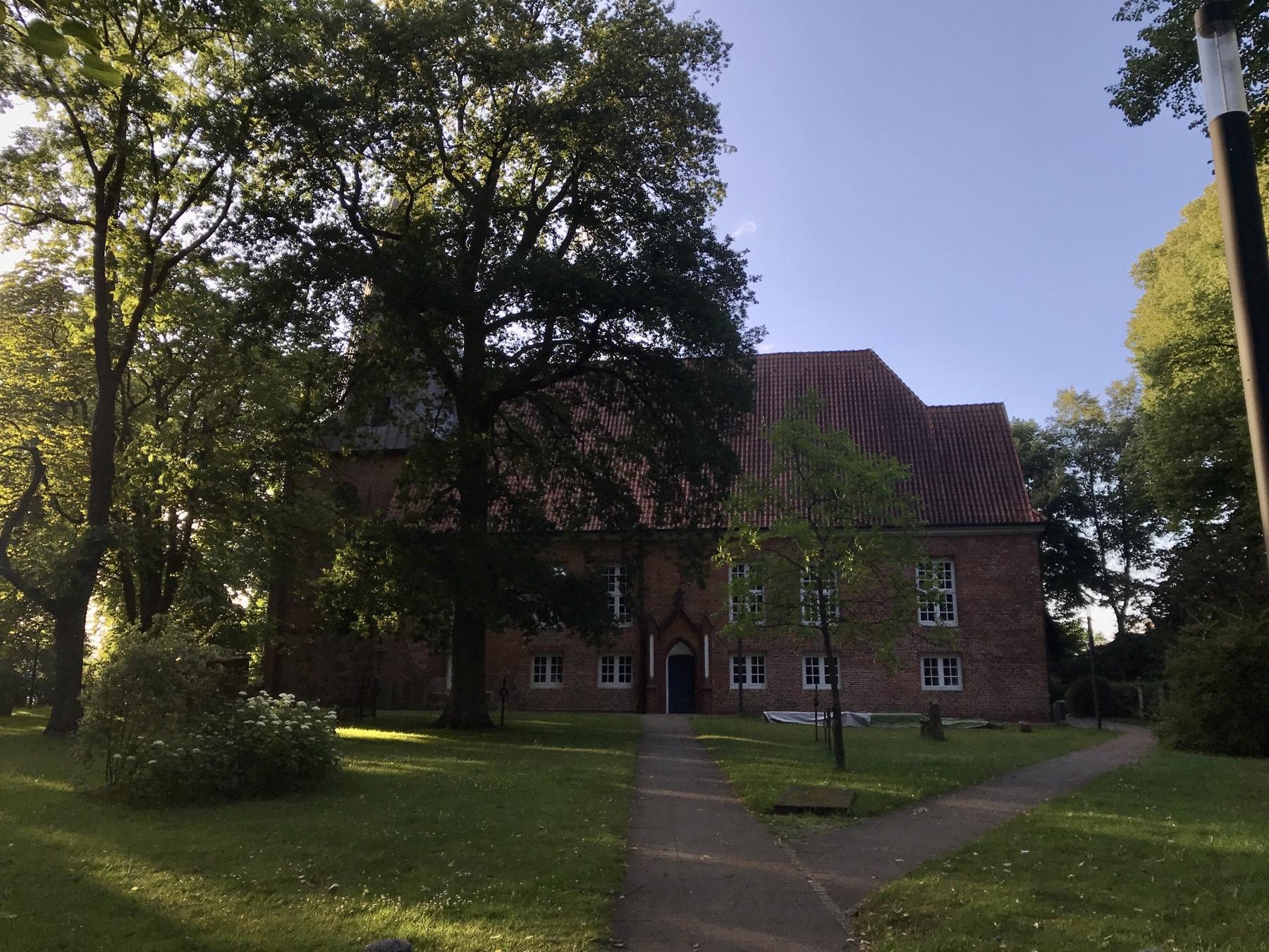 Kirche Bargteheide am Stormarnweg