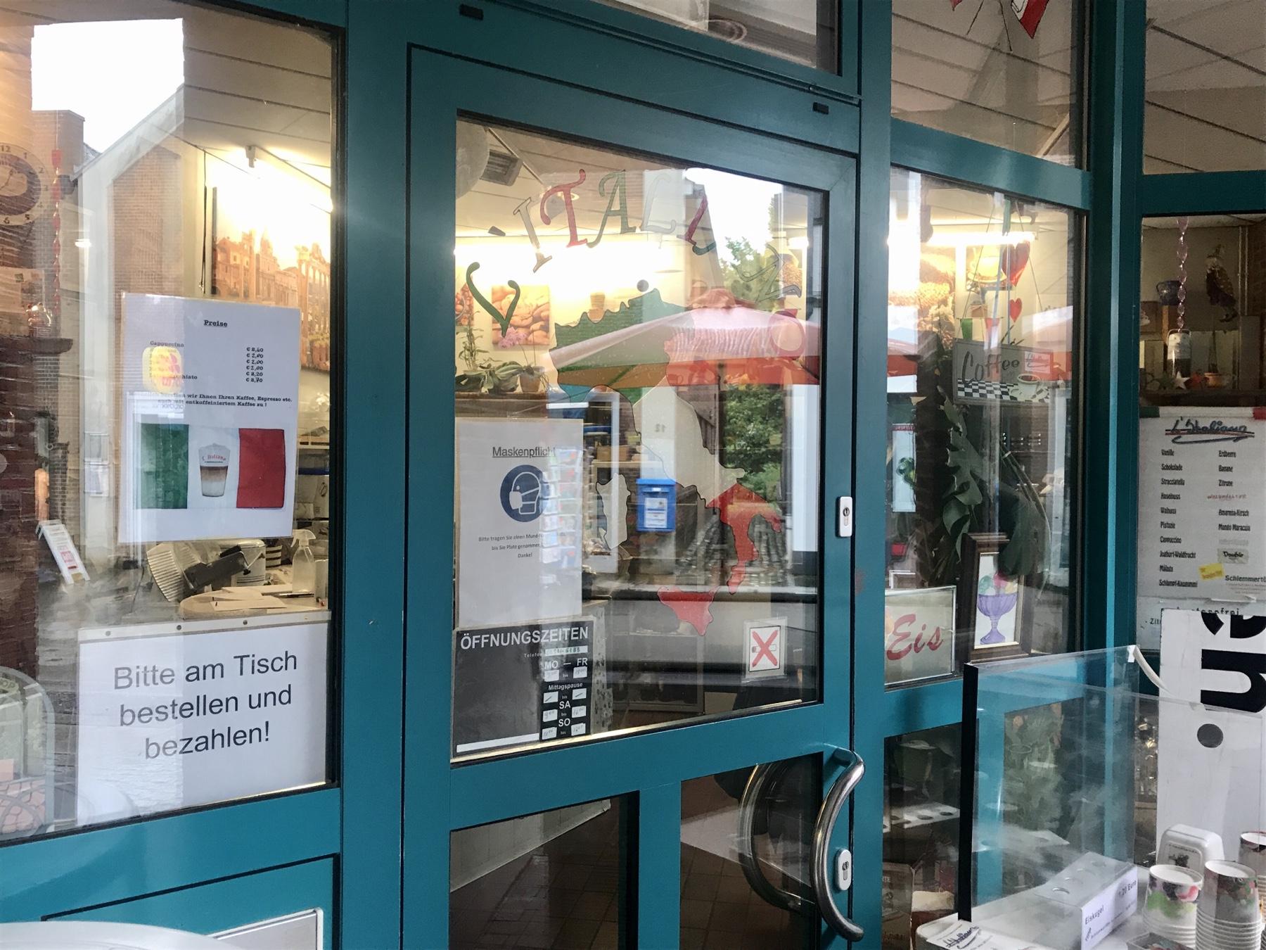 L'Italiano italienisches Café Bistro in der Fußgängerzone von Bad Oldesloe
