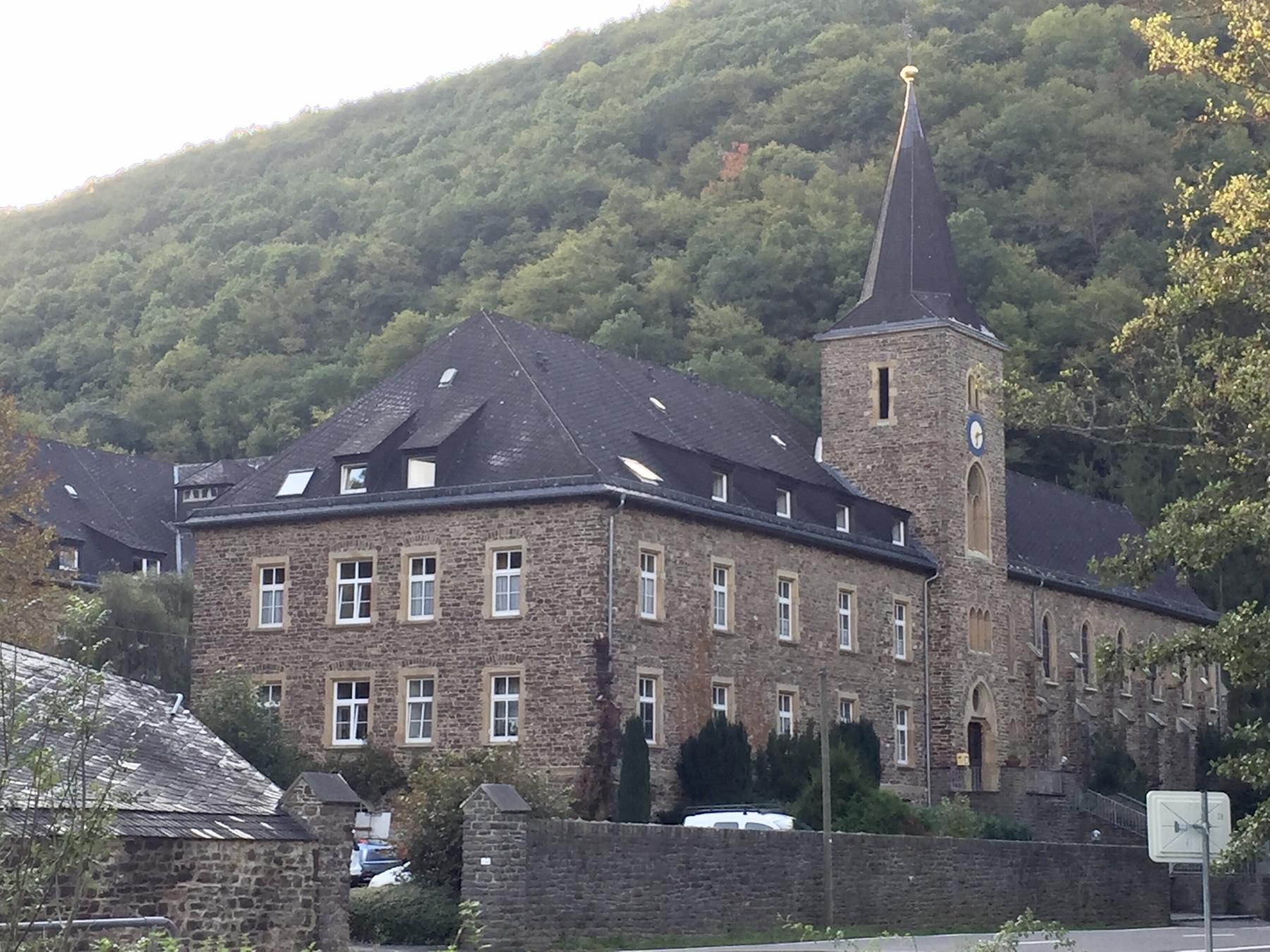 Kloster Maria Engelport zwischen Treis und Beilstein, Mosel-Camino Etappe 2