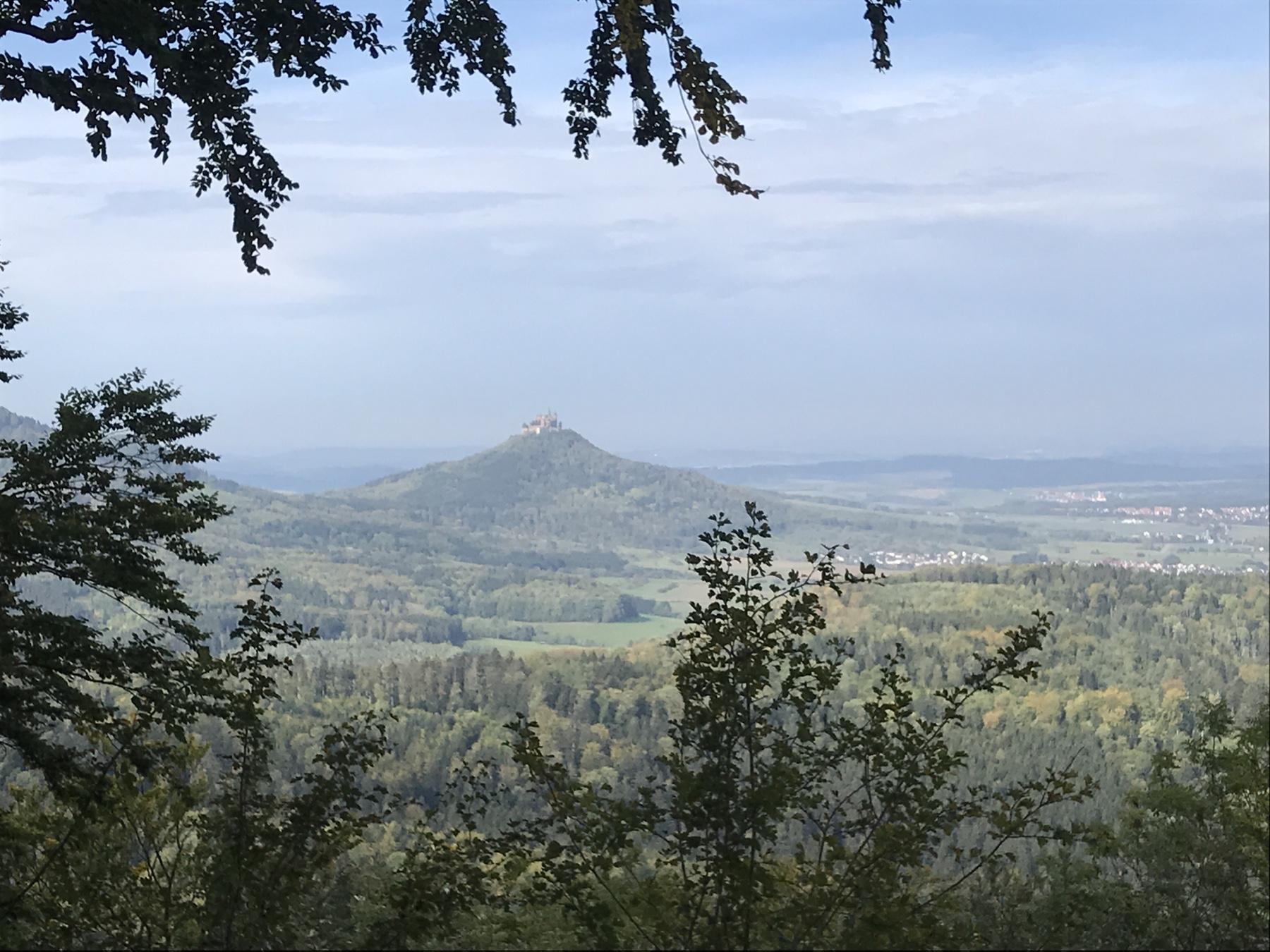 Albsteig HW1, Blick auf die Burg Hohenzollern