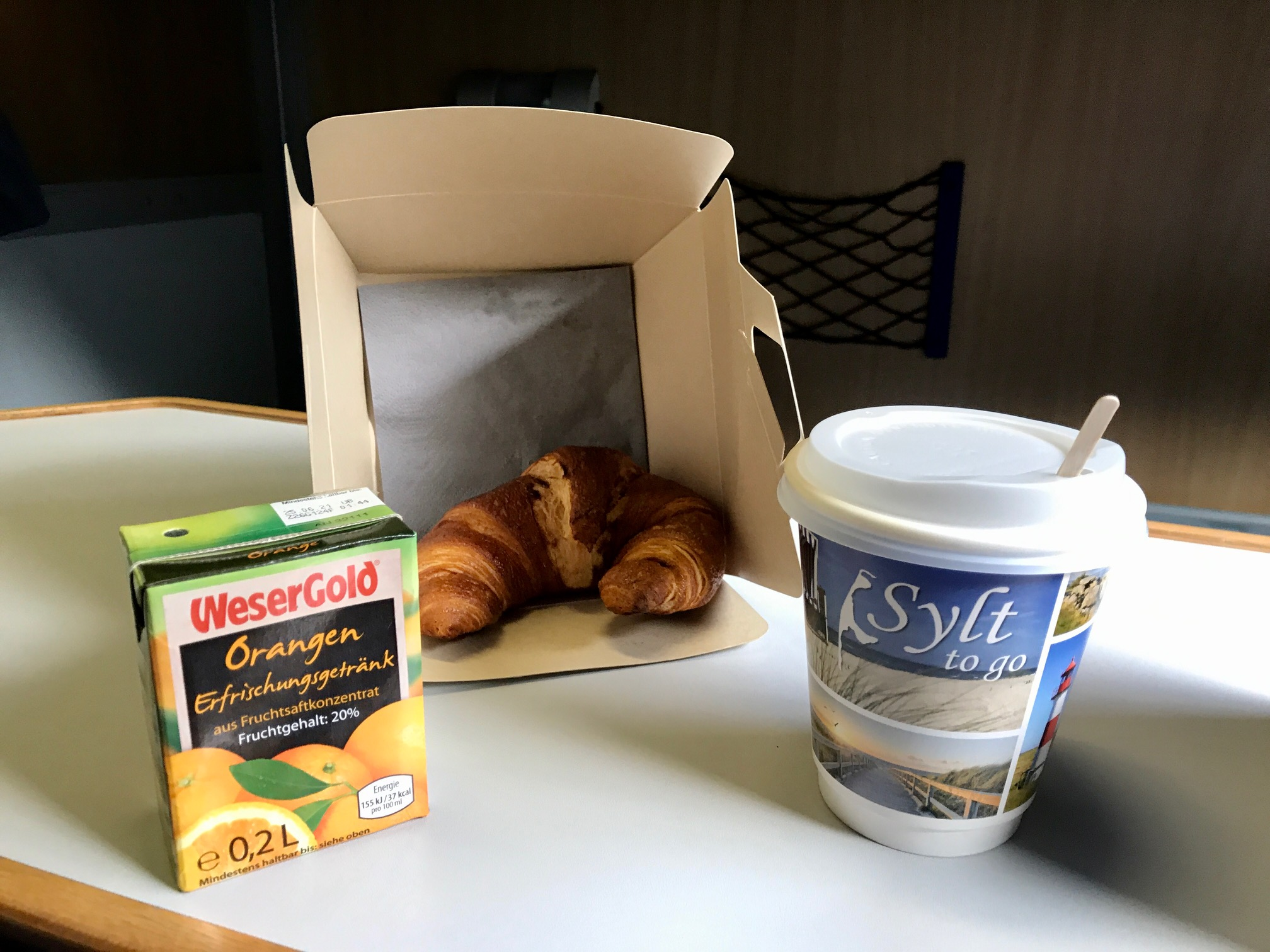 Frühstück Alpen-Sylt-Express
