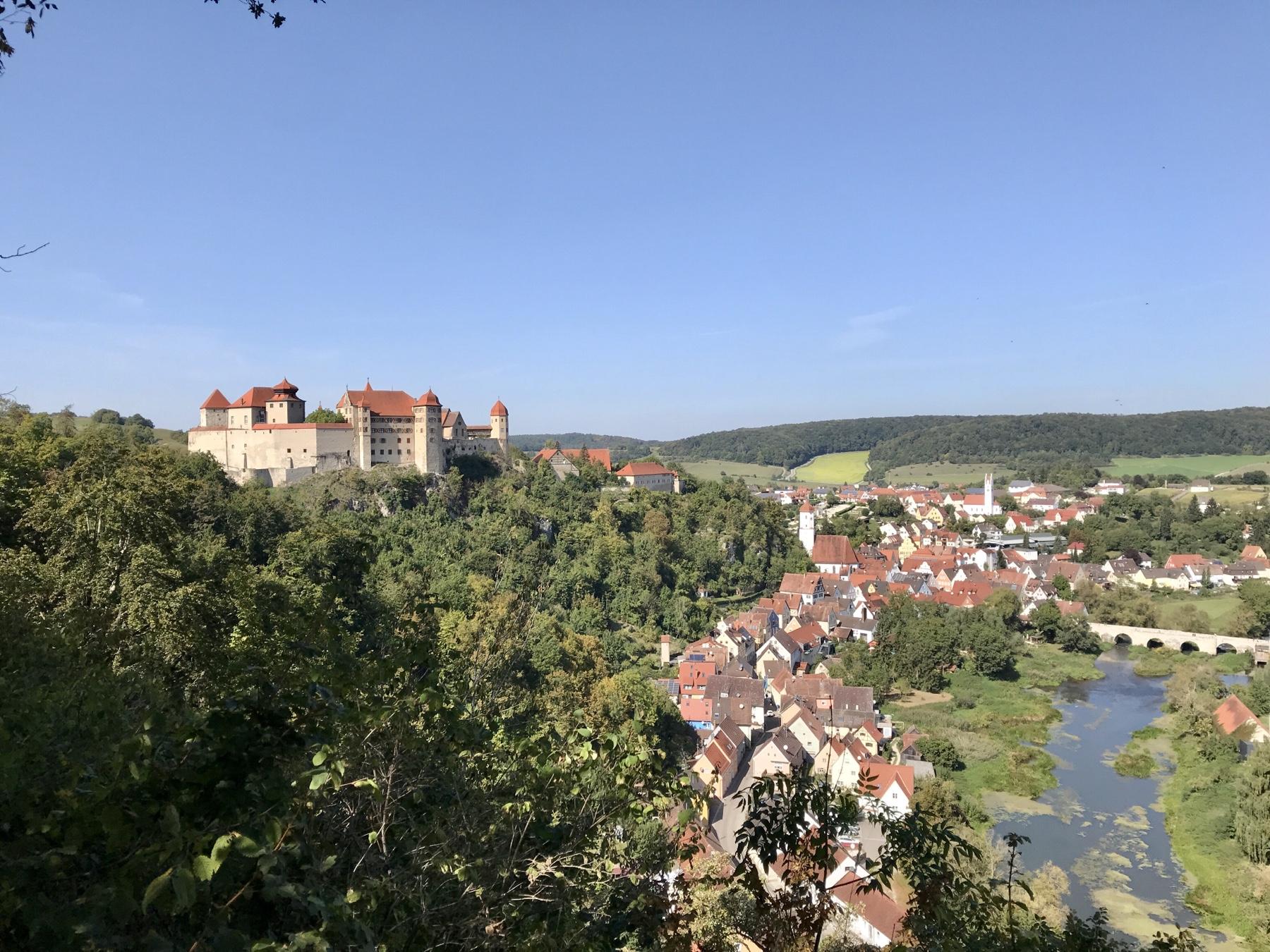Panoramablick auf Harburg, Albsteig HW1, Etappe Harburg Mönchsdeggingen