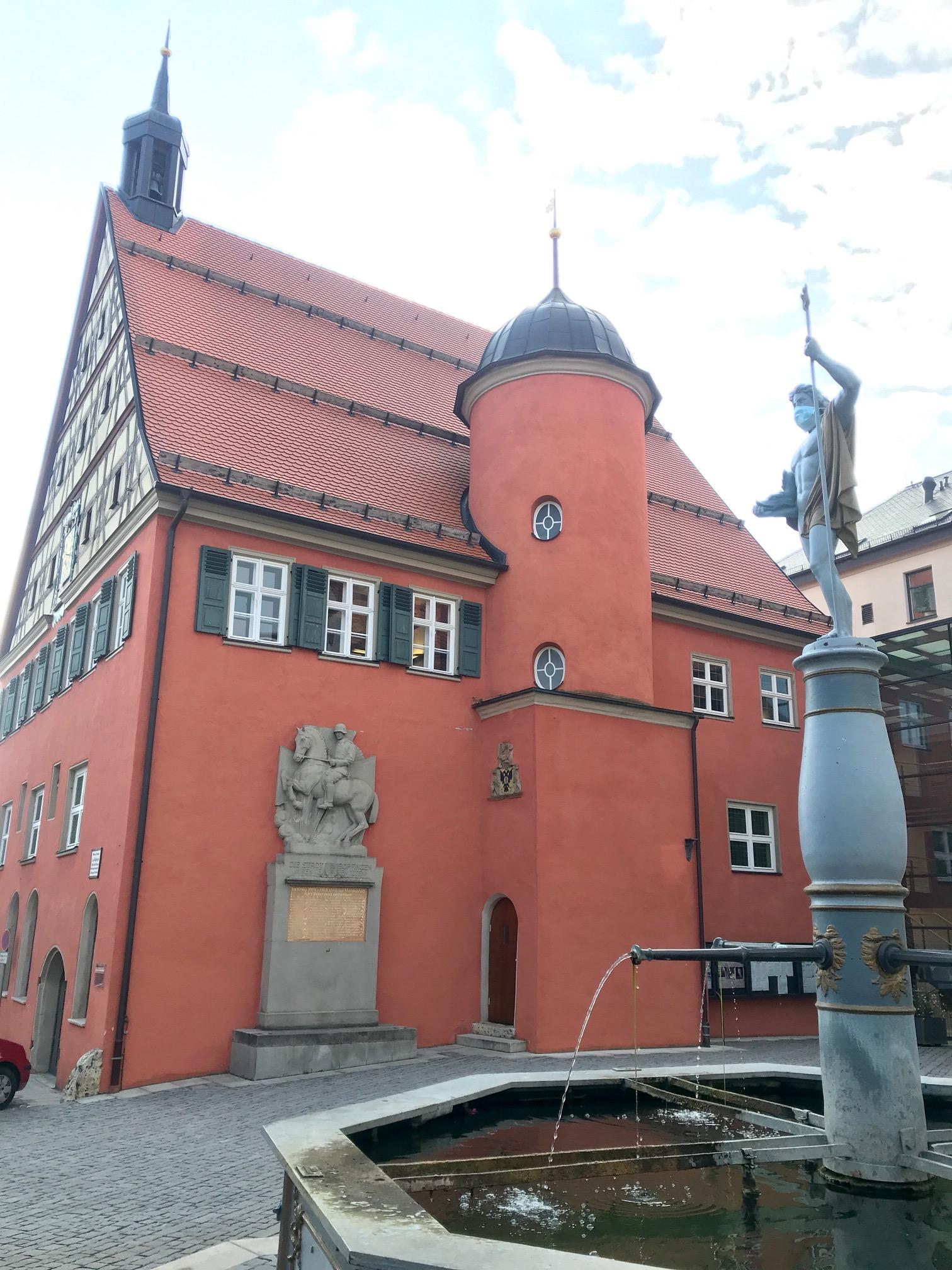 Albsteig HW1, Etappe 3 Bopfingen Unterkochen, Start am Rathaus