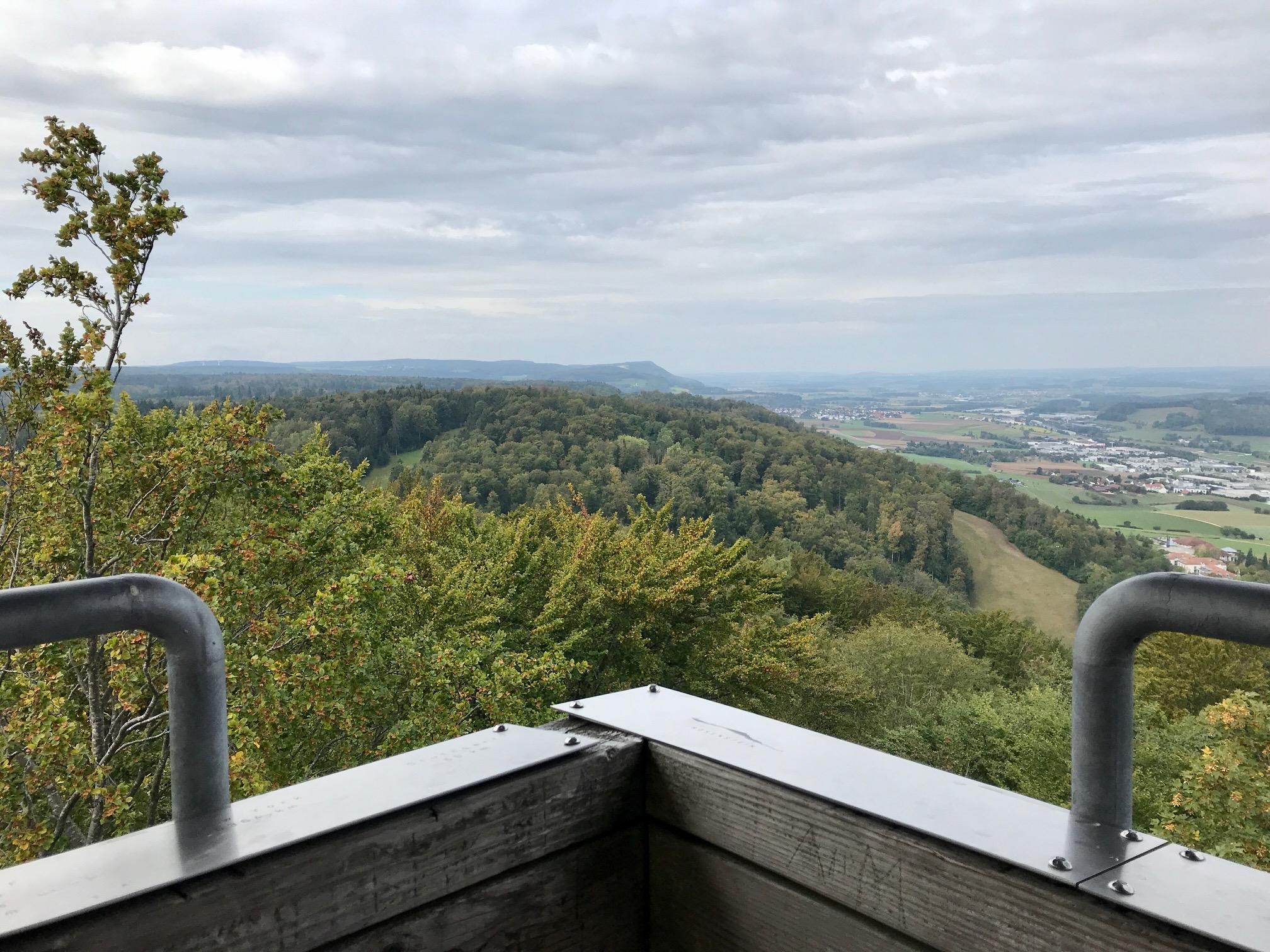 Blick vom Aussichtsturm Aalbäumle am Albsteig HW1